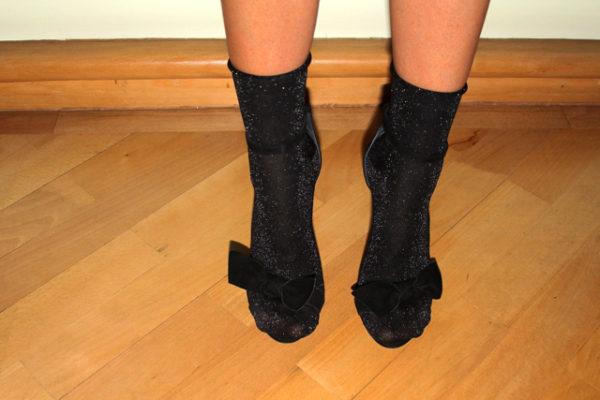 ozinparis-yellow-socks-inside-sandals